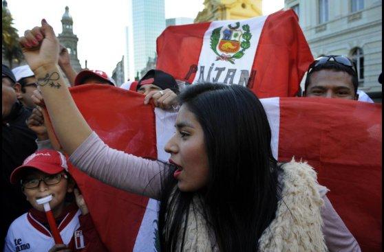 Perú vs. Chile: todo el ambiente peruano en Santiago (FOTOS)