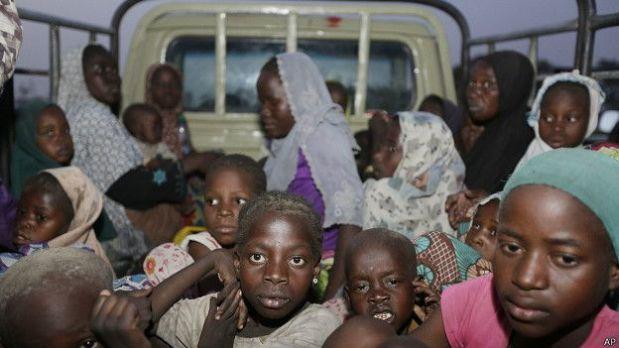 El pasado mayo el Ejército nigeriano rescató a 275 mujeres, jóvenes y niños secuestrados por Boko Haram en un bosque en Sambisa.