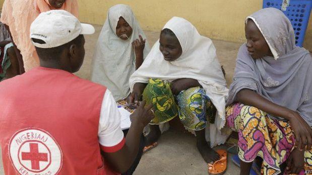 Exponer a las mujeres a la violencia extrema parece ser una estrategia utilizada por Boko Haram para despojarlas de su identidad y poder someterlas para que acepten la ideología de los militantes.