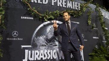 """""""Jurassic World"""" sigue en lo alto de la taquilla estadounidense"""