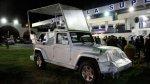 Ecuador presentó el papamóvil que transportará a Francisco - Noticias de un millon de pie