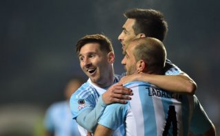 Argentina goleó 6-1 a Paraguay y disputará la final ante Chile