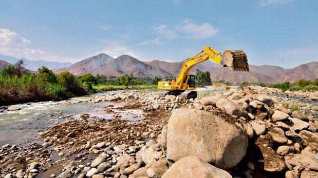 Fenómeno de El Niño. Se ejecutaron 603 acciones de prevención en las 14 regiones declaradas en emergencia, lo que significó una inversión de S/544,5 millones, apuntó el Minagri. (Foto: Archivo El Comercio)