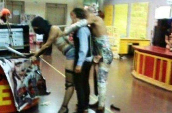 VÍDEOS PORNO GAY DE COLEGIO GRATIS - SEXO GAY