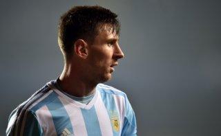 Sampaoli busca la fórmula defensiva para frenar a Lionel Messi