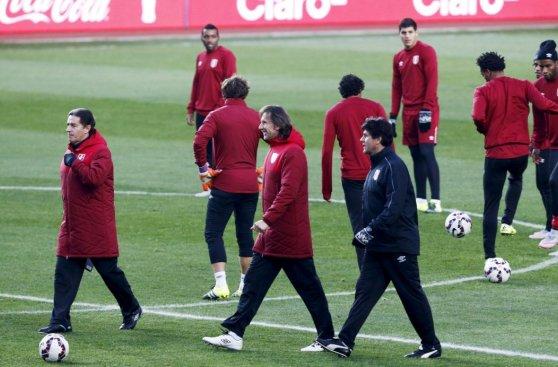 Ya con Farfán: así entrenó Perú previo a duelo con Paraguay