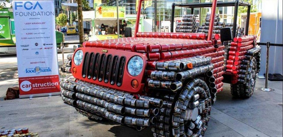 Canadá: Una Jeep Wrangler hecha con latas de comida