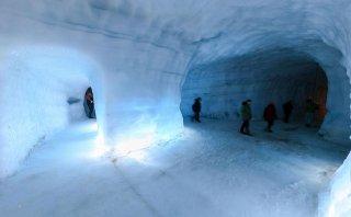 Islandia cuenta con la cueva de hielo más grande del mundo