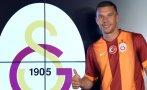 Lukas Podolski fichó por el Galatasaray de Turquía