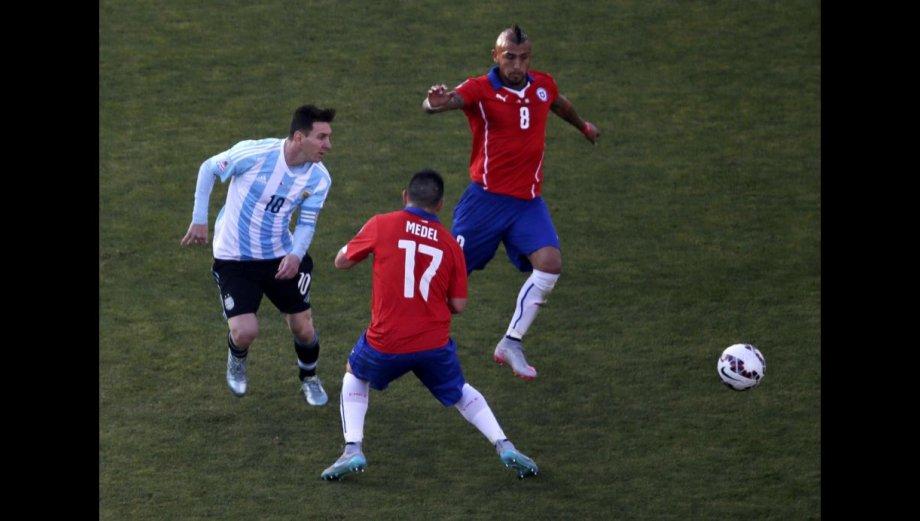 Lionel Messi: la dura marca de la selección chilena (FOTOS)