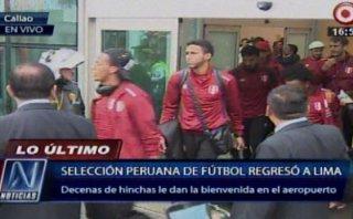 Selección peruana llegó a Lima y fue recibida entre aplausos