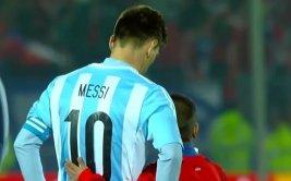 Messi consolado por niño en Copa América da la vuelta al mundo