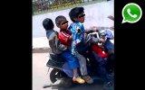 WhatsApp: niños circulan en moto cerca de una comisaría [VIDEO]