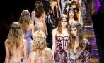 Donatella Versace y su despliegue de flores en París (FOTOS)