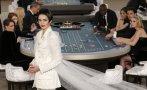 Los famosos jugaron a las cartas en nuevo desfile de Chanel