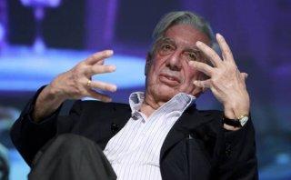 """Vargas Llosa espera que su nueva novela tenga la vigencia de """"La ciudad y los perros"""""""