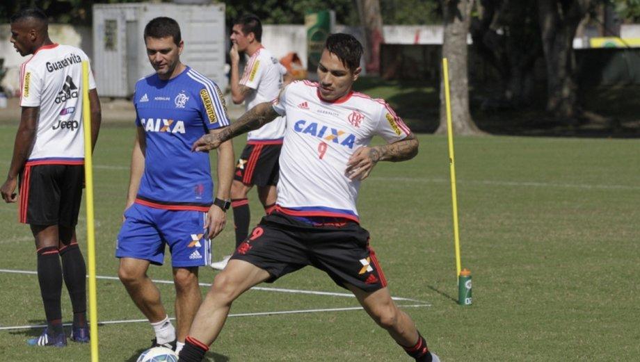 Paolo Guerrero: su primera práctica y presentación en Flamengo