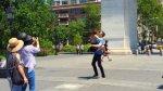 Esta pareja se excedió al tomarse una romántica foto [VIDEO] - Noticias de mtv