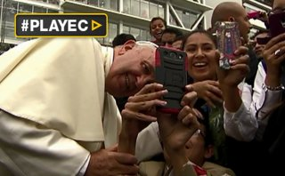 Locura por selfies con el Papa Francisco [VIDEO]