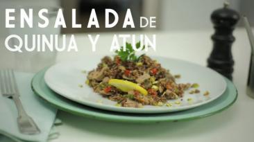 Aprende a preparar una saludable ensalada de quinua y atún
