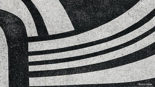 A fines de los años 1960 la Avenida Atlántica de Copacabana fue reformada y su acera ampliada: el paisajista Burle Marx creó un cantero central, en armonía con el ondulado que ya existía. (Foto: Bruno Veiga)
