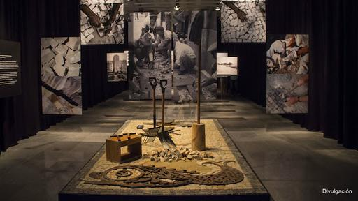 Auspiciada por la Alcaldía de Río, la exposición incluyó cursos con expertos portugueses en este tipo de aceras. Continuará en el Museo Histórico Nacional hasta el 1º de agosto. (Foto: Difusión)