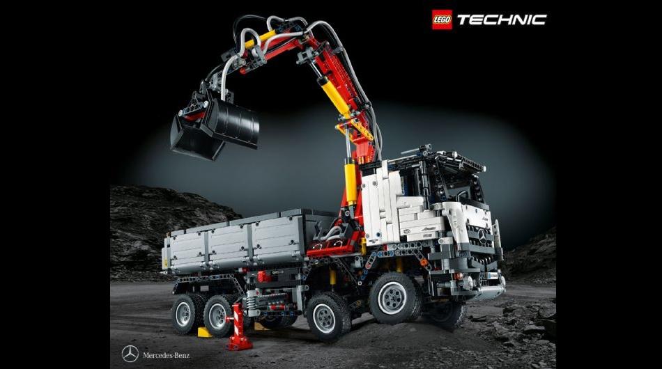 Lego lanza al mercado cami n de mercedes benz camiones for Quanto costa il pex
