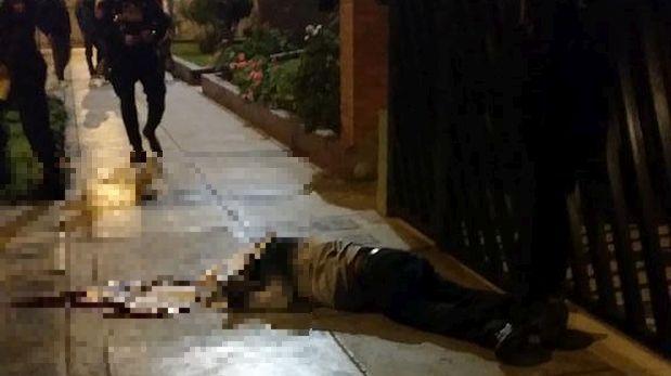 Un hombre fue asesinado de al menos siete balazos en calle Túpac Amaru, Pueblo Libre. (Foto:  Fiorella Andrade @AndradeFio)