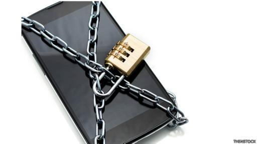 Conviene instalar algún programa antimalware en nuestros teléfonos, según los expertos.