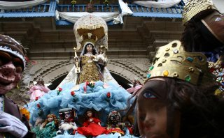 "Paucartambo celebra por todo lo alto a su ""Mamacha Carmen"""