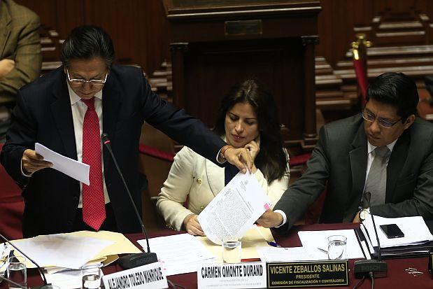 LIMA, 25 DE OCTUBRE DE 2013EL EX PRESIDENTE ALEJANDRO TOLEDO MANRIQUE ASISTE AL CONGRESO DE LA REPUBLICA PARA RESPONDER INTERROGANTES DE LOS CONGRESISTAS POR SUPUESTO ENRIQUECIMIENTO ILICITO.FOTO: ROLLY REYNA / EL COMERCIO