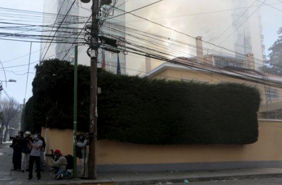 Bolivia: Mineros también dinamitaron la embajada de Alemania