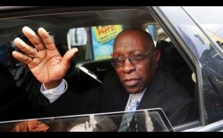 FIFA: EE.UU. solicita extradición de ex vicepresidente Warner