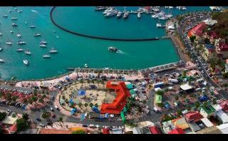 San Martín, una isla dividida entre dos culturas