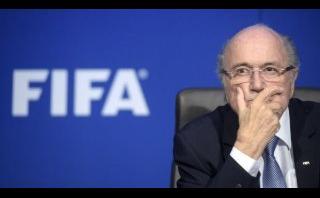 Blatter llegó a Rusia para sorteo de Eliminatorias al mundial