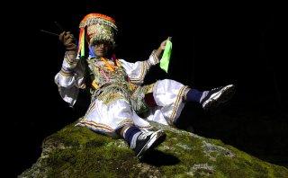 La Danza de las Tijeras, el sorprendente baile de los demonios