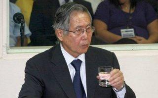 Fujimori cumple 75 años: partidarios le llevaron serenata a la Diroes