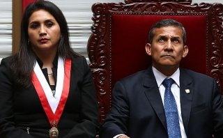 La legitimidad en el abismo, por Juan Paredes Castro