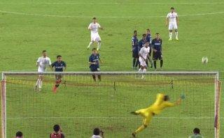 James Rodríguez y el espectacular gol de tiro libre ante Inter