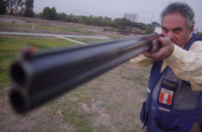 19 DE ABRIL DEL 2007 ENTREVISTA A JUAN GIHA, CAMPEON OLIMPICO DE TIRO EN BARCELONA 1992.FOTO: FELIX INGARUCA / EL COMERCIO