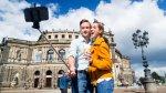 Entérate cuáles atracciones en el mundo aceptan el selfie stick - Noticias de parque tematico