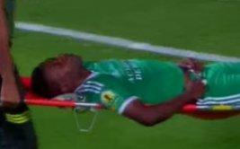 Terrible caída dejaría cuadripléjico a un futbolista [VIDEO]