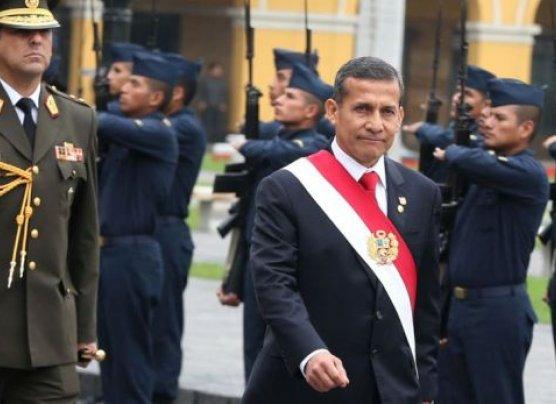 """Humala: """"Policías no podrán usar uniforme en trabajos privados"""""""