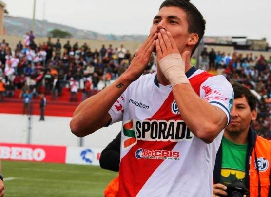 Municipal venció 2-1 a Ayacucho FC y es líder del Apertura