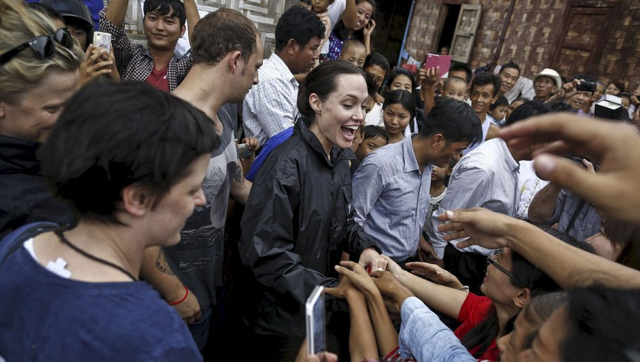 Angelina Jolie visitó Birmania invitada por Aung San Suu Kyi