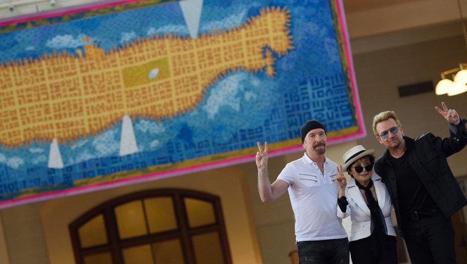 Yoko Ono y U2 le rindieron homenaje a John Lennon en Nueva York