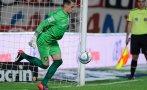 Le picaron penal y el golero de San Lorenzo respondió con lujo