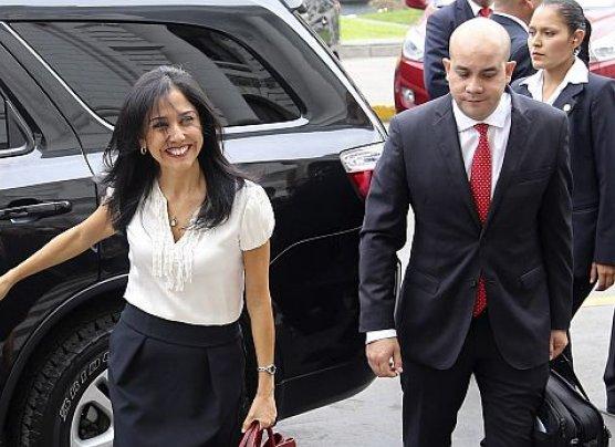 """""""Comisión MBL usa pretextos para investigar a Nadine Heredia"""""""
