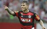 Paolo Guerrero: Flamengo enfrenta a Santos por Brasileirao