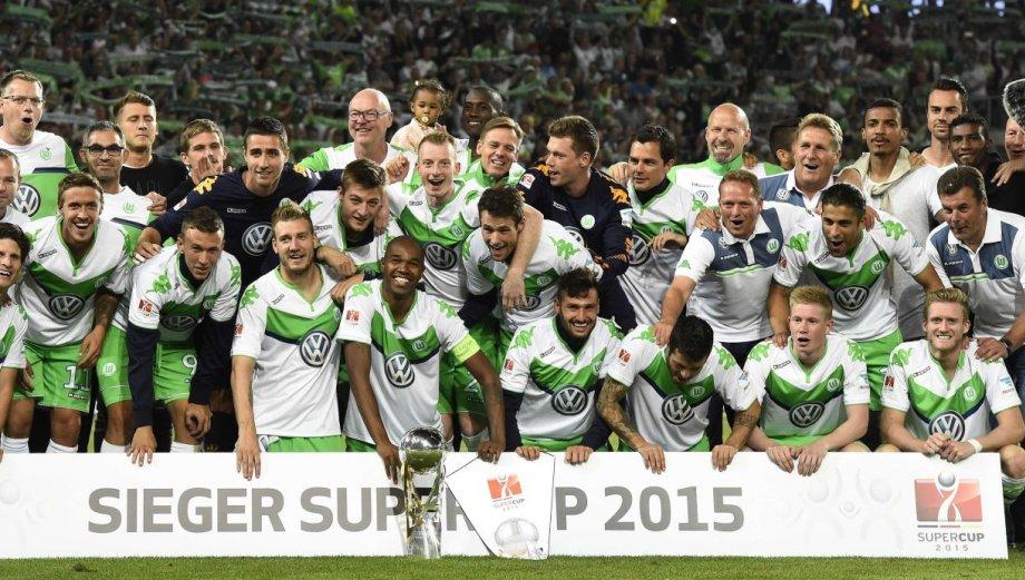 Wolfsburgo: Carlos Ascues festejó título de Supercopa alemana